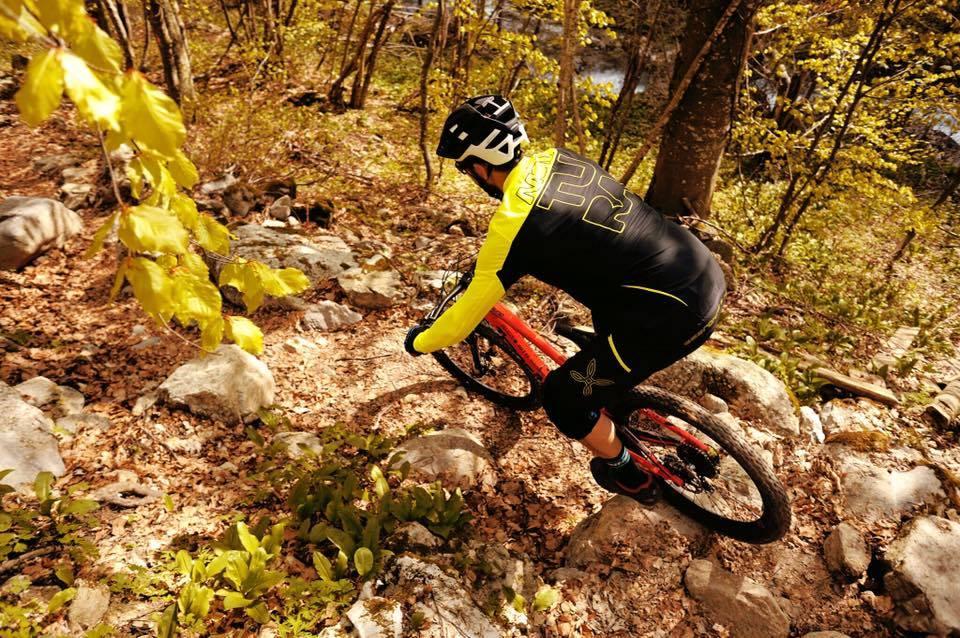 oblečení na sport a cyklistiku